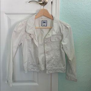 women's white jean jacket